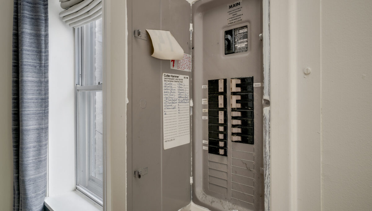 924 2 Electrical Panel