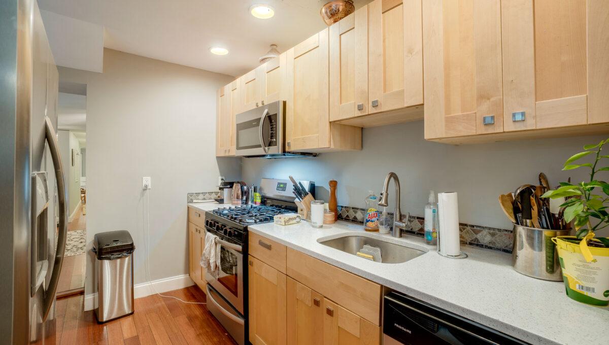 14 Kitchen