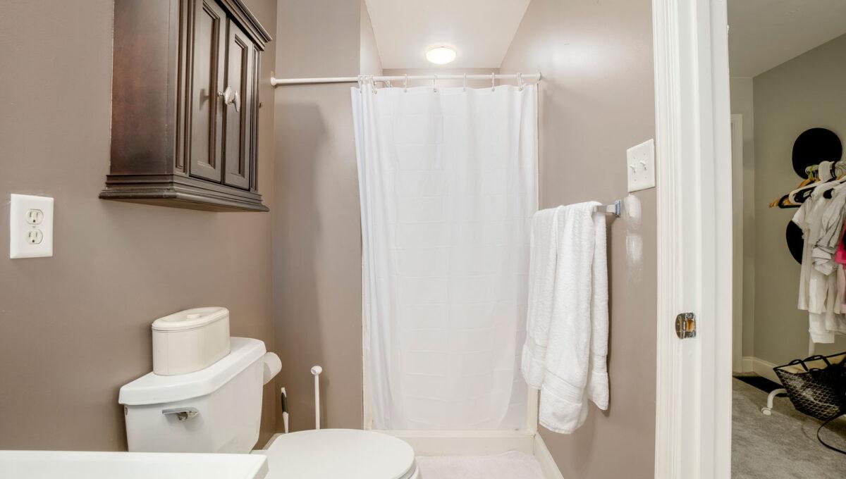 45 Bathroom 3