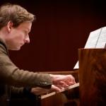 Kristian Bezuidenhout, Piano