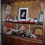1995 / L'étalage de Noël___ Xmas Display at Centennial Hall. Lakeshore Hooking Craft Guild,  20th Anniversary
