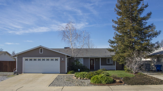 We represented both the buyer and the seller for this Quailridge home in 2016. They saved a lot of money!