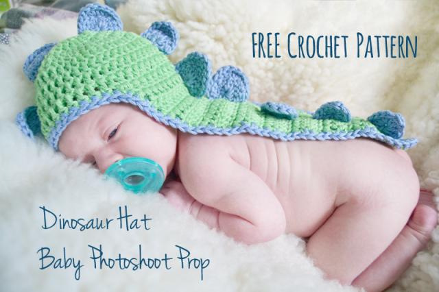 Baby Dino Hat with Cape snovej
