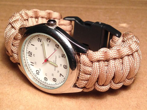 How to Make a Paracord Watch with a Buckle
