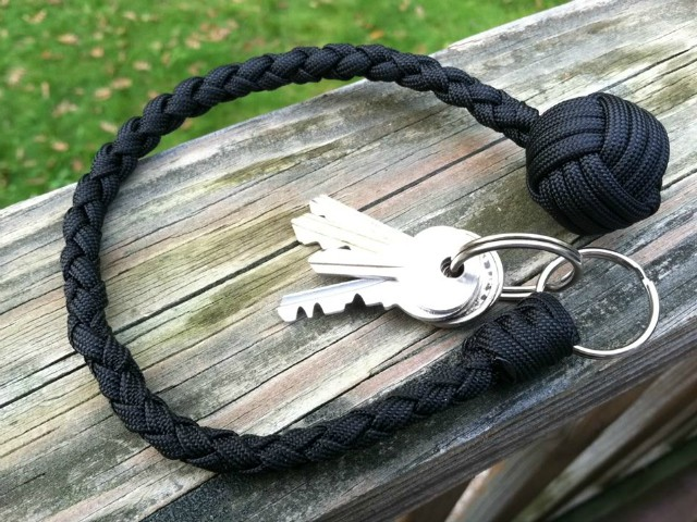 Paracord-Self-Defense-Keychain at GetDatGadget