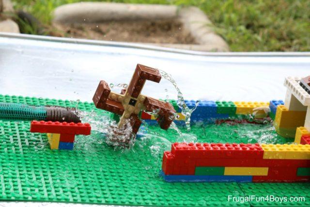 Construire une roue à eau LEGO