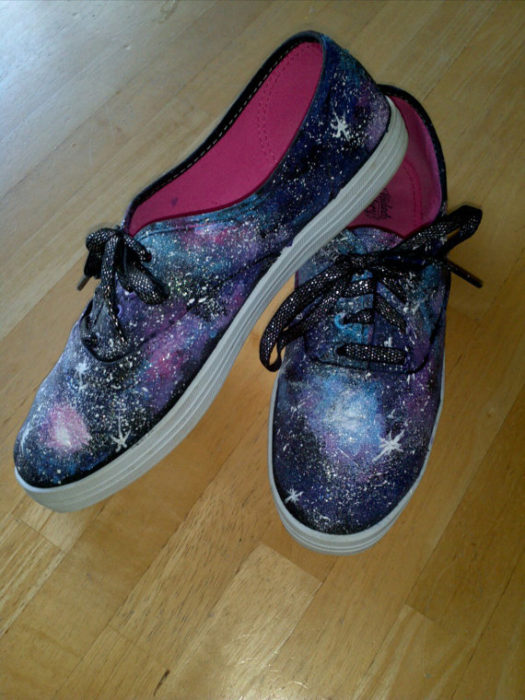 galaxy-shoes-handpainted-sneakers