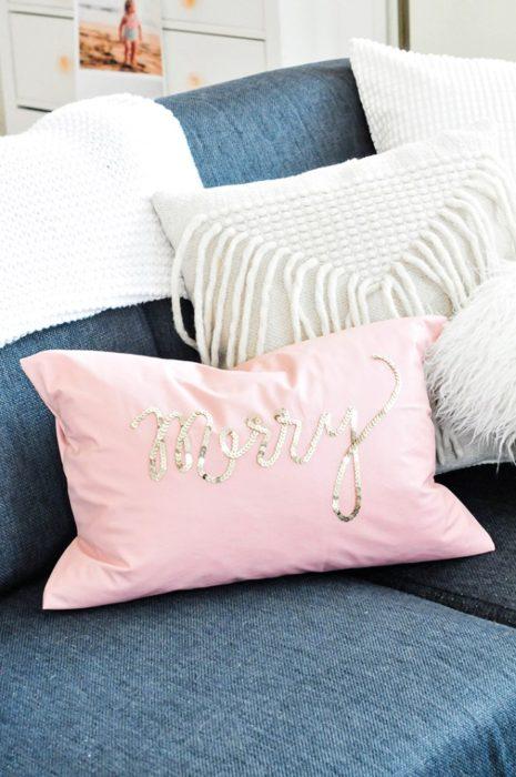diy-holiday-sequin-pillows