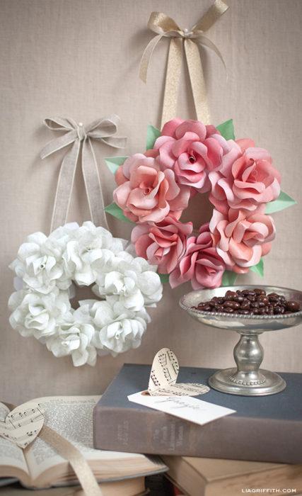 make-a-mini-rose-wreath