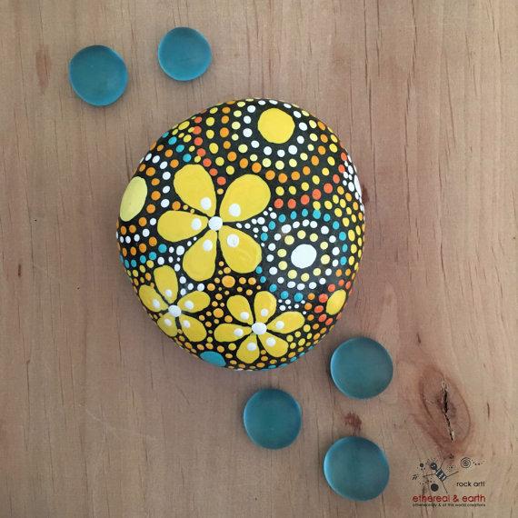 rock-art-mandala-design