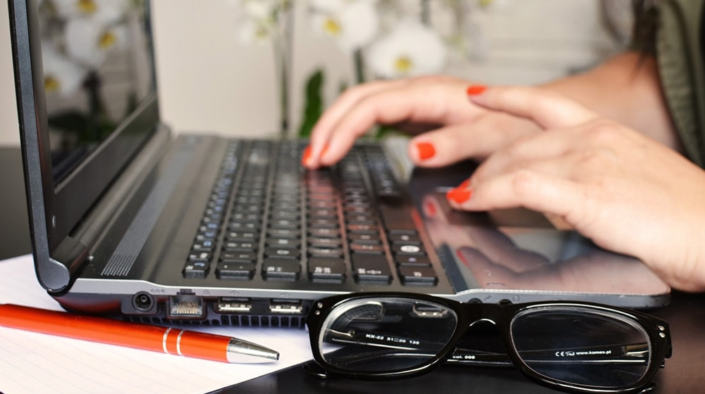 how-to-make-money-blogging-featured