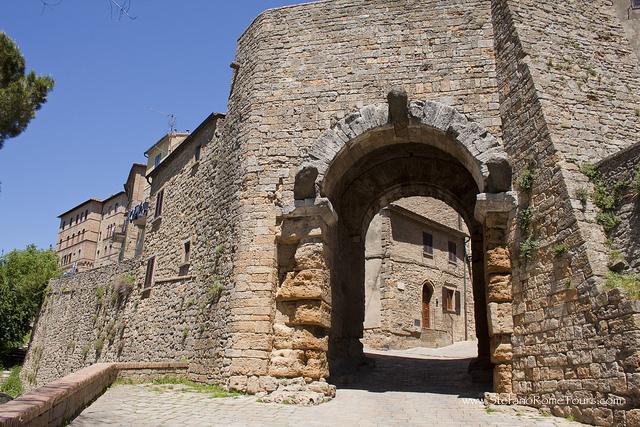 Stadspoort Volterra -foto genomen door StefanoRome Tours