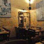 Pizza eten in de ex gevangenis Le Carceri in Florence