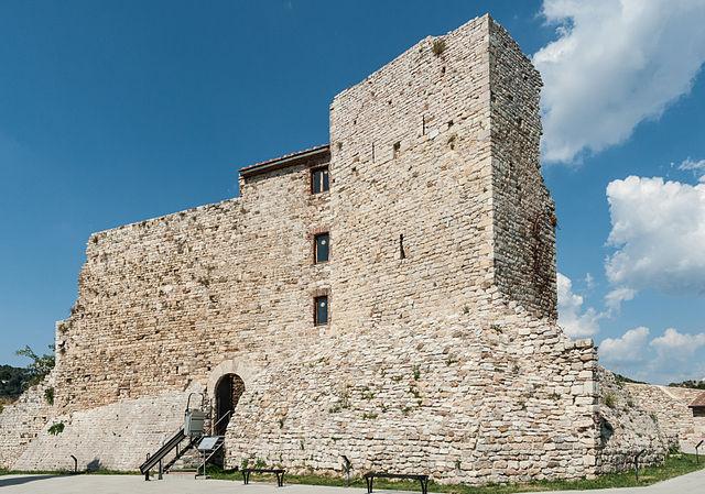 Het middeleeuwse kasteel La Rocca