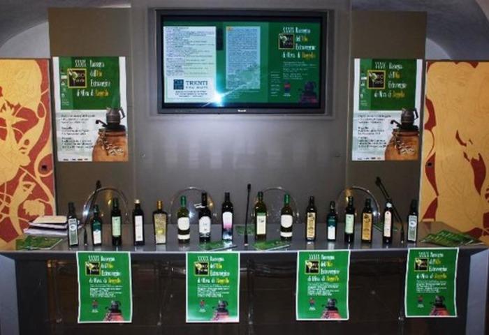 degustatie en verkoop van verse olijfolie
