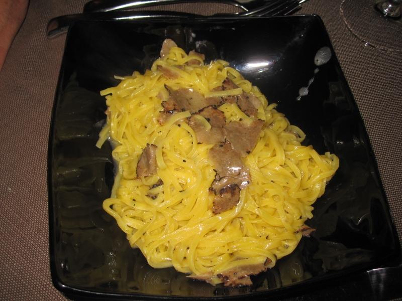 Voorbeeld van een primo piatto - tagliatelle al tartufo