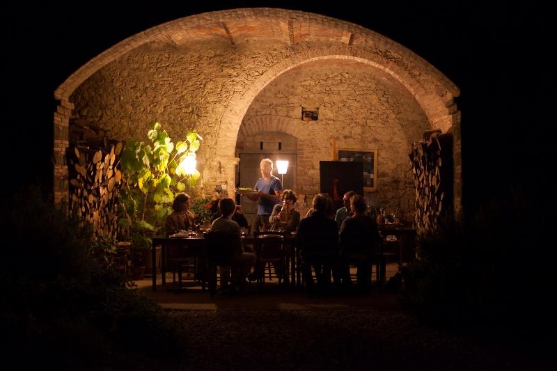 Heerlijk tafelen in open lucht onder de loggia