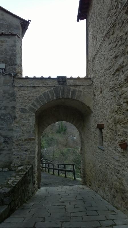 middeleeuwse stadspoort Porta Romana