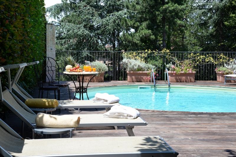 Hotel Vannucci- zwembad (800x534)