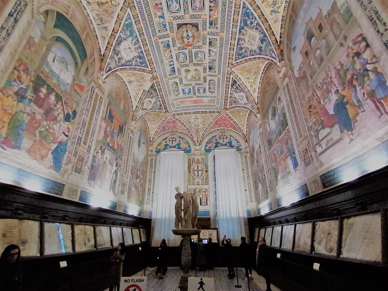 Siena kathedraal bibliotheek Piccolomini