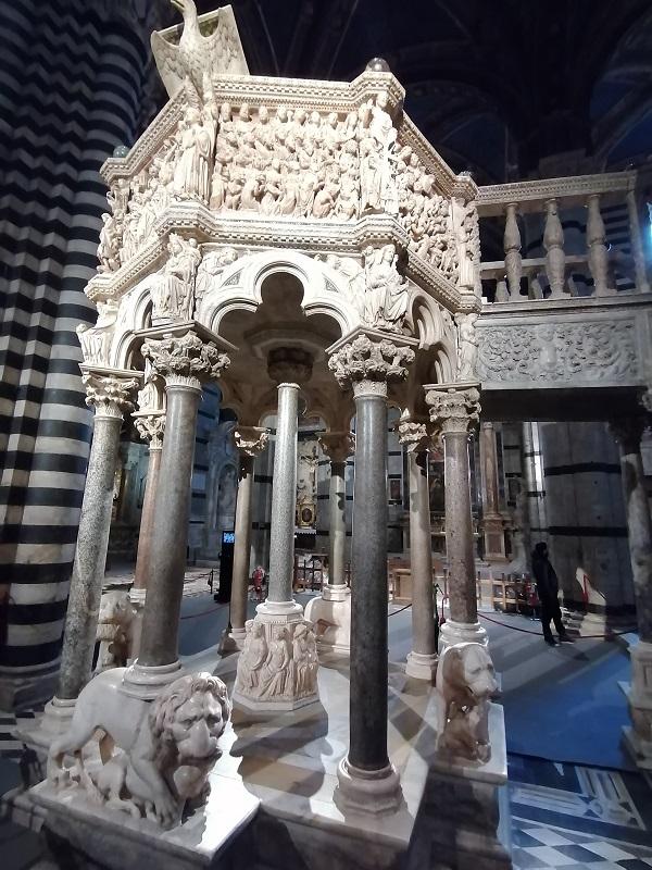 Siena kathedraal preekstoel