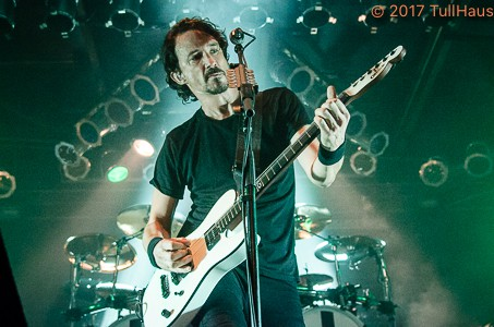 Gojira performing at Pop's Nightclub
