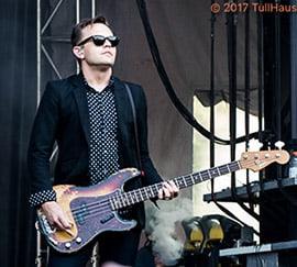Rob Poper bassist