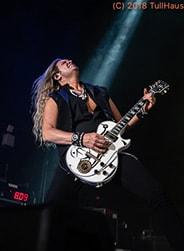 Doug Aldrich of Whitesnake.