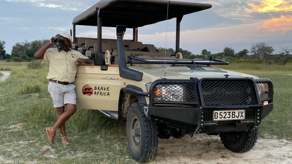 Tabona Wina Binoculars Brave Africa