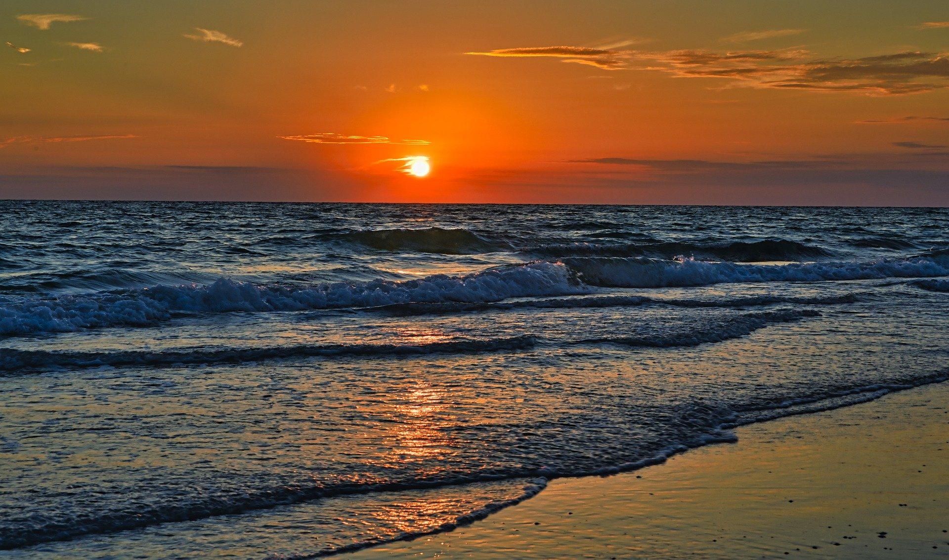 Sunset Kayaking in St. Pete Beach
