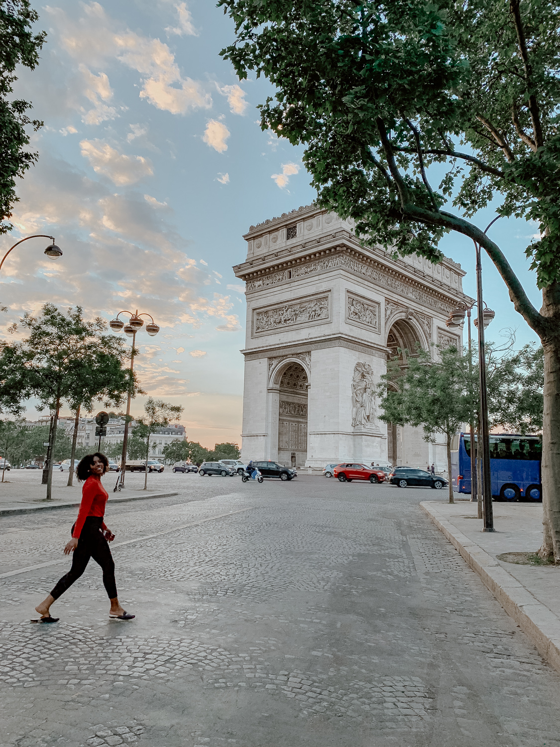 how to get to the arc de triomphe