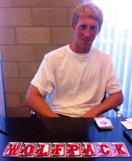 2013-Upper-Deck-Football-Autograph-Signing-Mike-Glennon-NC-State-Wolfpack-1
