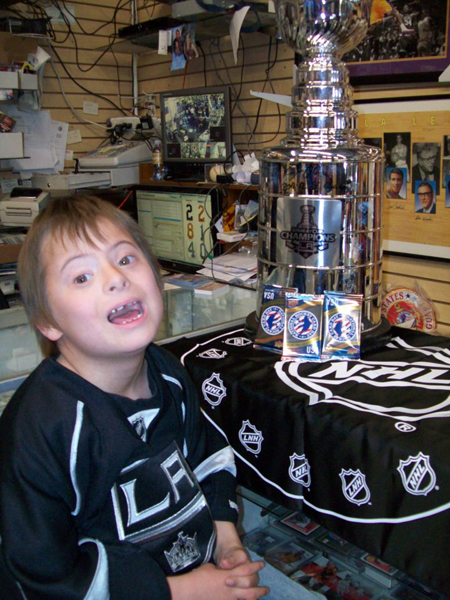 2013-National-Hockey-Card-Day-USA-Kids-Happy-2