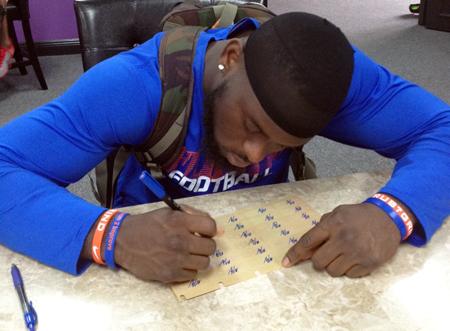 2013-Upper-Deck-Football-Autograph-Signing-Matt-Elam