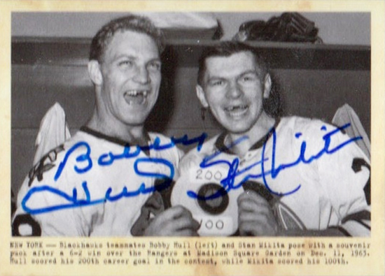 Chicago-Blackhawks-11-Parkhurst-Champions-Dual-Wire-Photo-Autograph-Mikita-Hull-Card