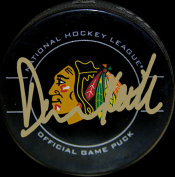 Chicago-Blackhawks-Collectible-Memorabilia-Duncan-Keith-Signed-Puck-UDA