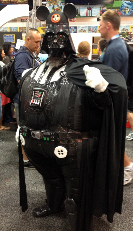 Comic-Con-San-Diego-Upper-Deck-Best-Worst-Dressed-2013-Darth-Vader