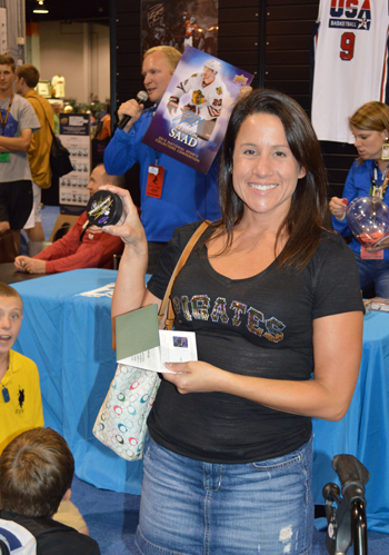 2013-National-Sports-Collectors-Convention-Daily-Raffle-Winner-Autograph-Puck