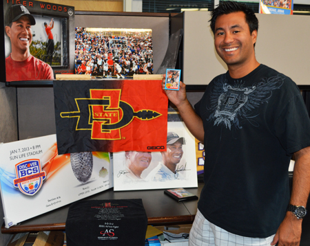 2013-Upper-Deck-CLC-College-Colors-Day-Celebration-Gabe-Garcia-UDA-San-Diego-State