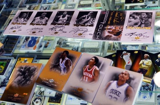 Jordan-Bucket-List-Murray-Barnett-Pulls-Michael-Jordan-Autograph-3