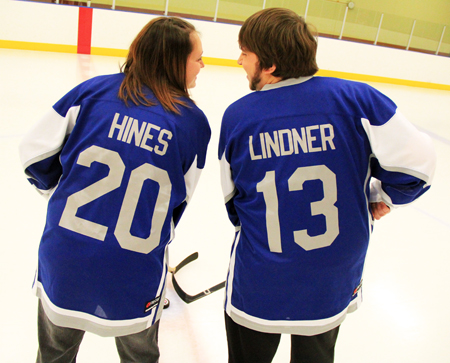 Wedding-Shelley-Pat-Lindner-NHL-Hockey-Proposal-Fan-Ice