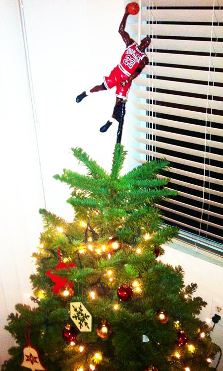 Holiday-Christmas-Tree-Upper-Deck-Michael-Jordan-Figure