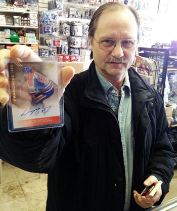 2014-Upper-Deck-National-Hockey-Card-Day-Older-Collector-Holding-Gretzky-Autograph