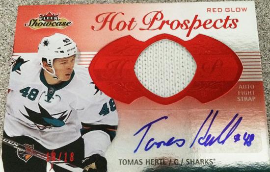 2013-14-NHL-Fleer-Showcase-Autograph-Fight-Strap-Tomas-Hertl