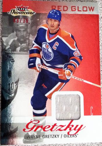 2013-14-NHL-Fleer-Showcase-Red-Glow-Jersey-Gretzky