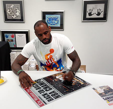 LeBron-James-Upper-Deck-Authenticated-Signing-Session-Autograph-Signature-Collect-Miami-A