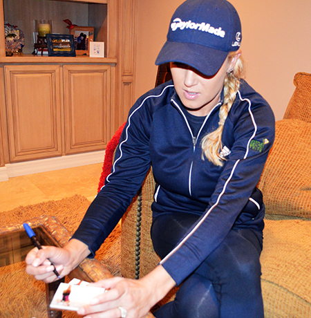 2014-Exquisite-Golf-Signing-Session-Natalie-Gulbis-Upper-Deck-Autograph