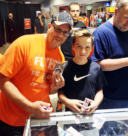 2014-NHL-Draft-Upper-Deck-Booth-Happy-Father-Son-Collectors-2