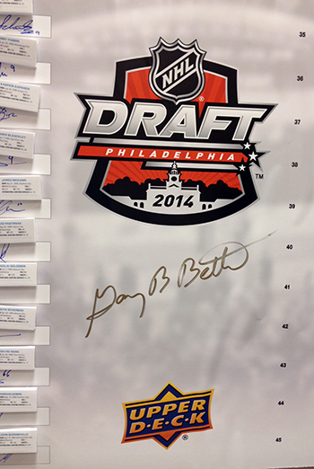 2014-NHL-Draft-Upper-Deck-Gauntlet-Top-Draft-Picks-Board-Commissioner-Gary-Bettman-Close