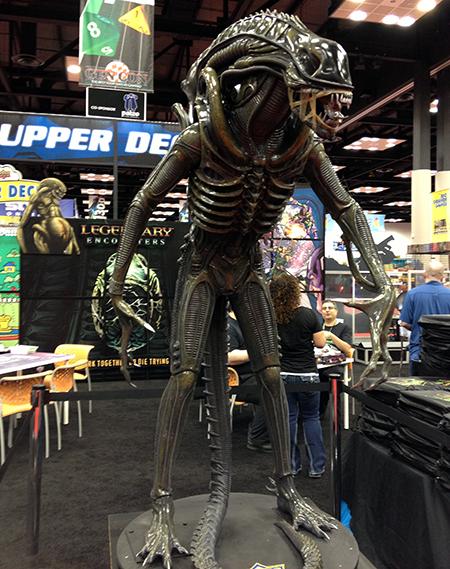 Gen-Con-Indy-Alien-Legendary-Encounters-Photo-Opp-Life-Size-UDAlien-2
